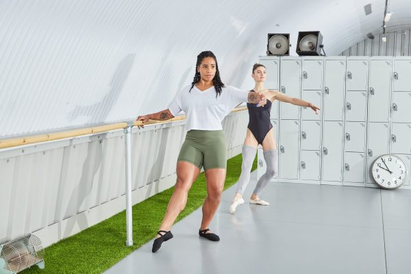 BContours is fully inclusive, working with all body shapes and sizes, all ages and abilities, to bring everyone easy access to high quality ballet based barre fitness. This tendu on fondu position is developing thigh strength and finding core stability through correct postural placement.
